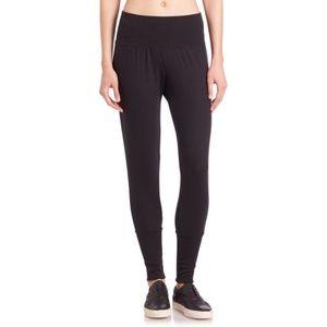 ALO Yoga Revive Jogger Sweatpant